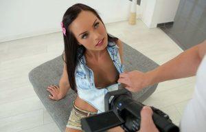 Video Porno Teen: Film Hard di Ragazze Barely Legal