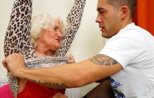 Video Porno Nonne: Il giovane e la vecchia